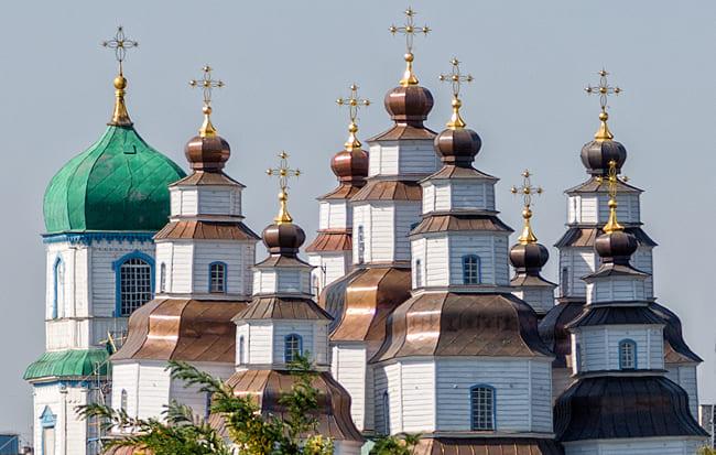 Гордость Новомосковска - Свято-Троицкий собор, построенный без единого гвоздя