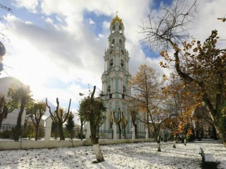 колокольня в Троице-сергиевом пасаде